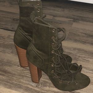 Shoes - Never worn olive green lace up bootie